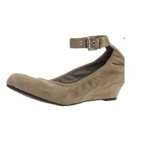 Rockport Women's Alika Anklestrap Wedge Pump 9